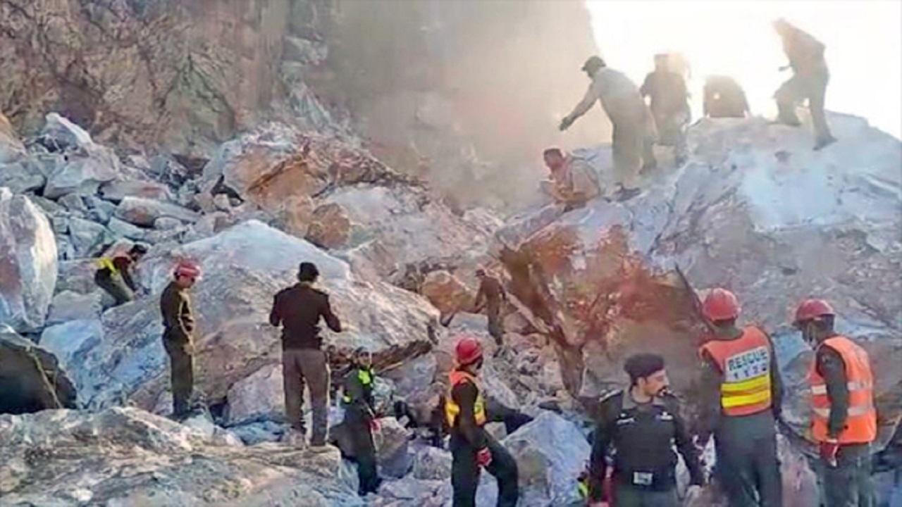 पाकिस्तान में बड़ा हादसा, संगमरमर खदान ढहने से 22 लोगों की मौत Major  accident in Pakistan, 22 people died due to marble mine collapse - News  Nation