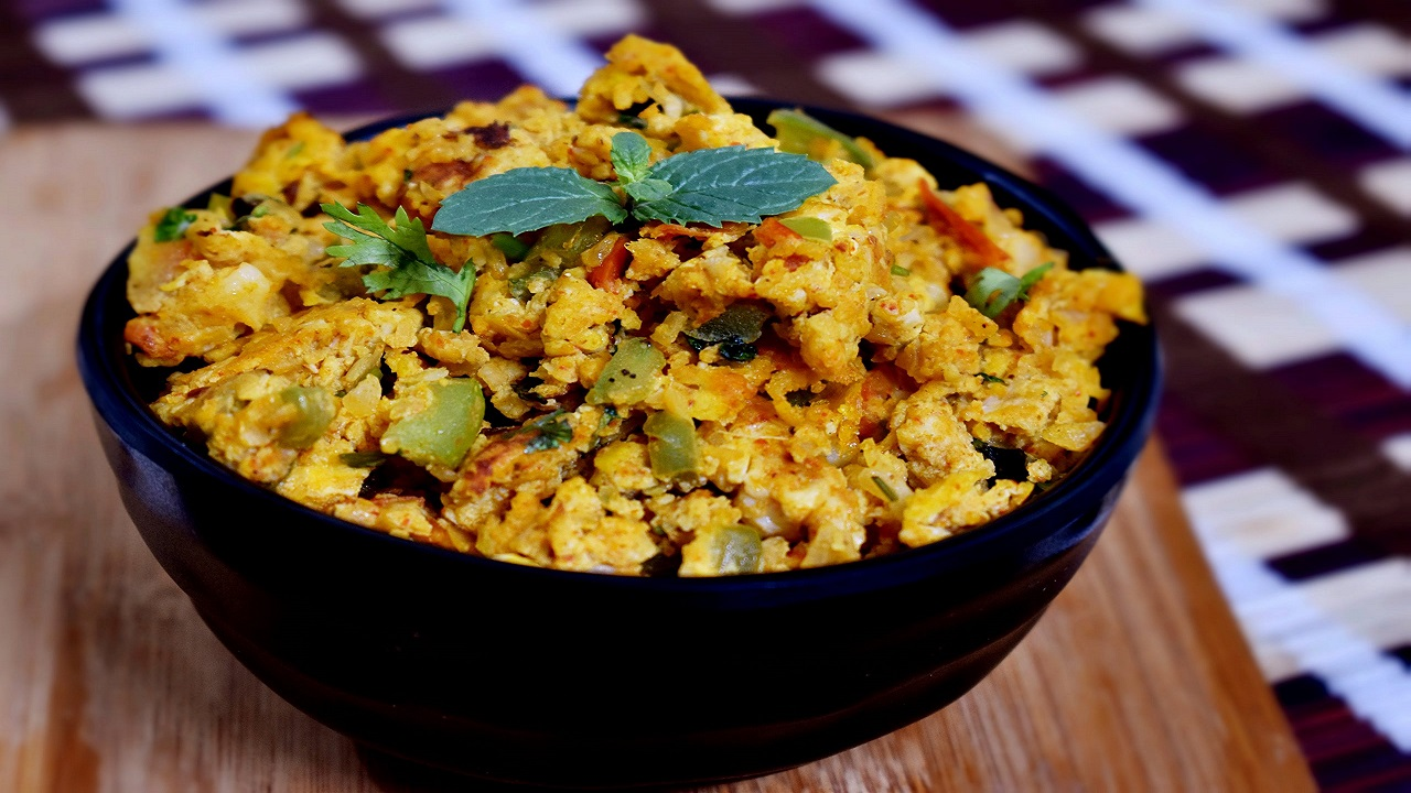 ट्राई करें ये नए तरह की अंडा भुर्जी , राजमा चावल के साथ खाने में आएगा
