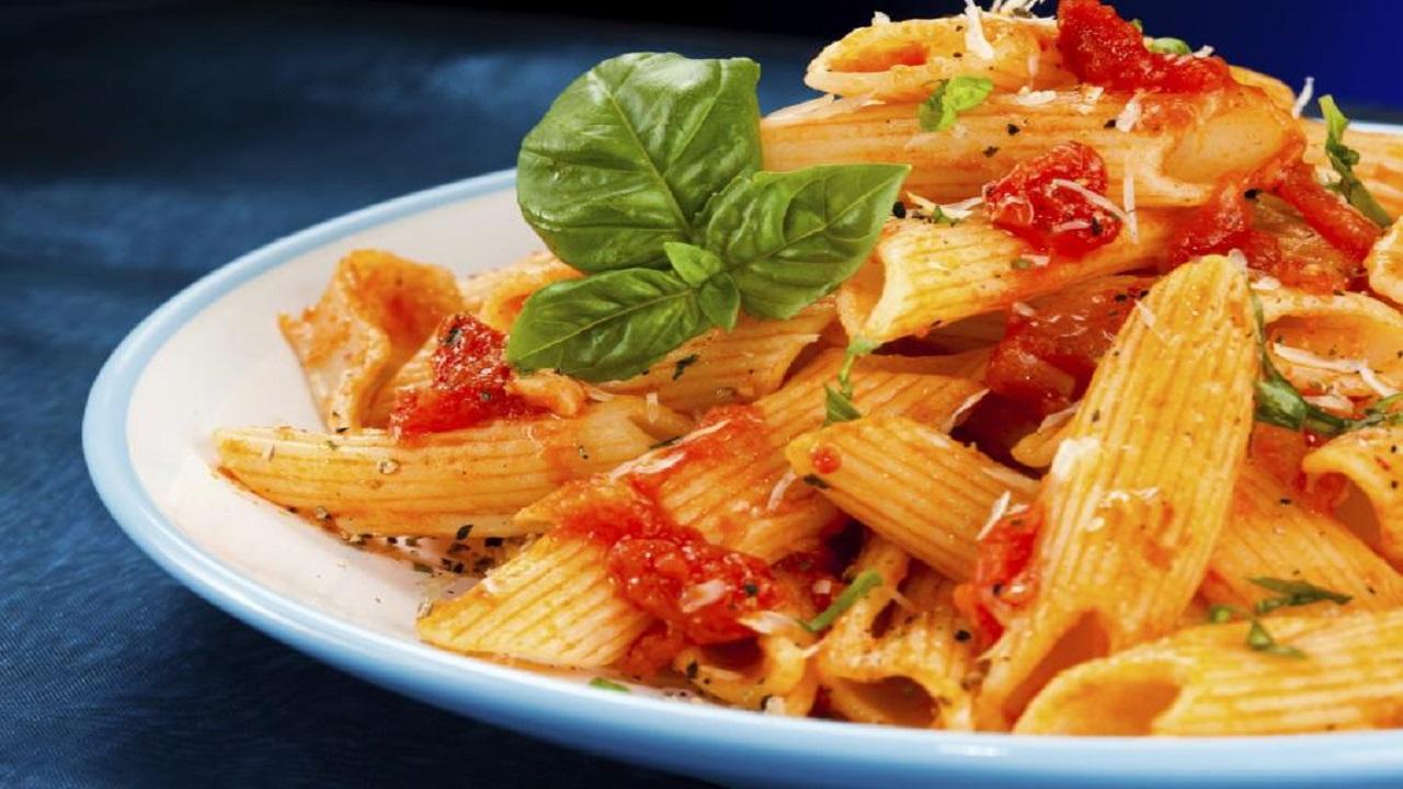 वर्ल्ड पास्ता डे पर बनाएं लज़ीज़ Easy Cheesey Pasta